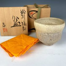 安食ひろ 作 粉引塩釉茶碗